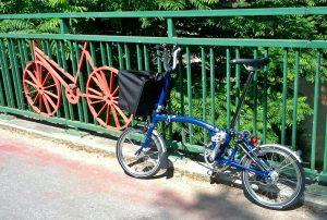 zweimal Kunst auf der Radbrücke