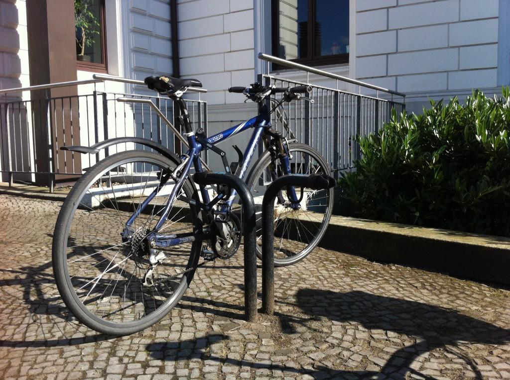 Fahrradständer am Altonaer Rathaus – Mathilde Magazin