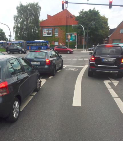 Kreuzzung Kollaustraße / Niendorfer Straße in Richtung Niendorf