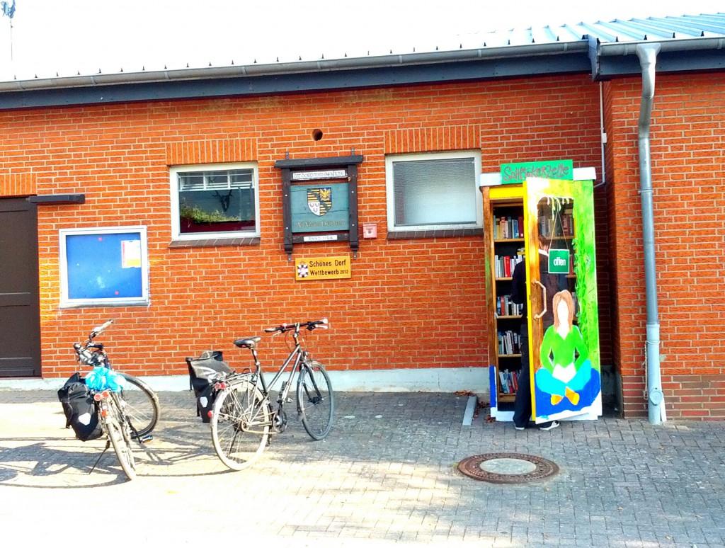 Bücherzelle in Einhaus - Upcycling par excellence