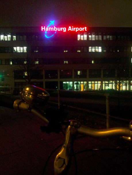 fast da, noch 27 Minuten bis zum Abflug [photo by 2radlerHH]