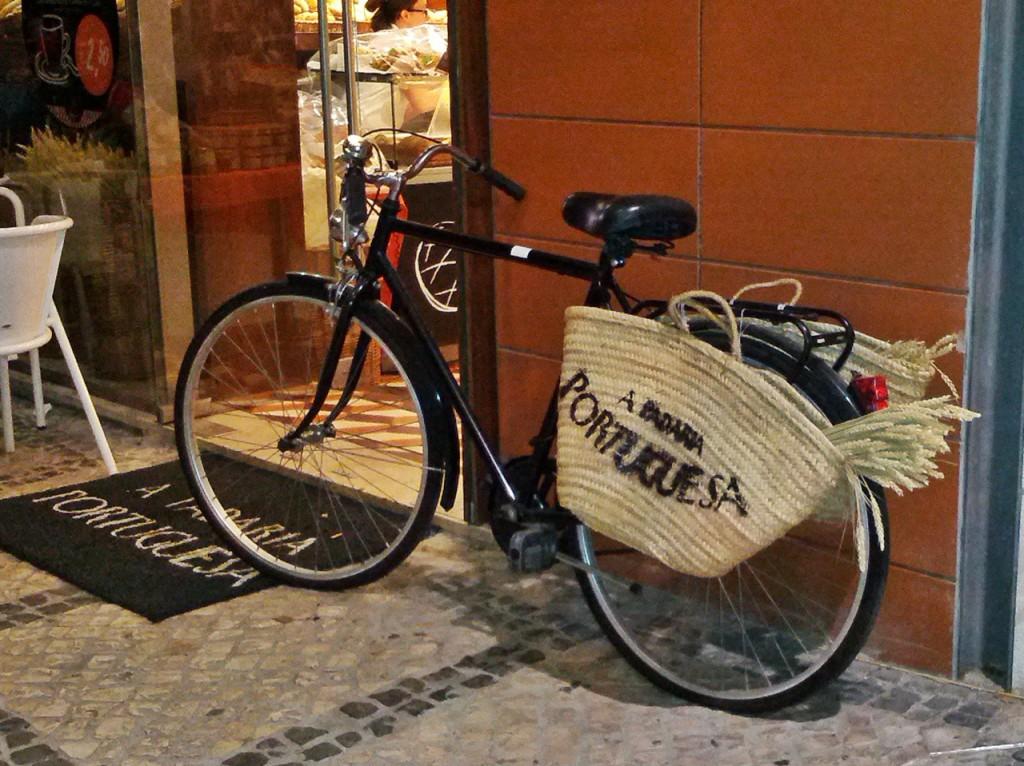 Werbung mit Rad in Lissabon