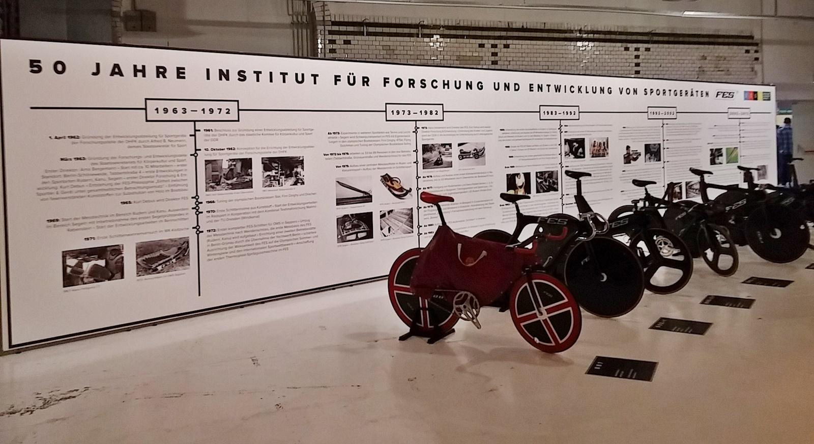 Das Institut für Forschung & Entwicklung von Sportgeräten stellte eigens für deutsche Bahnradprofis hergestellte Räder vor.