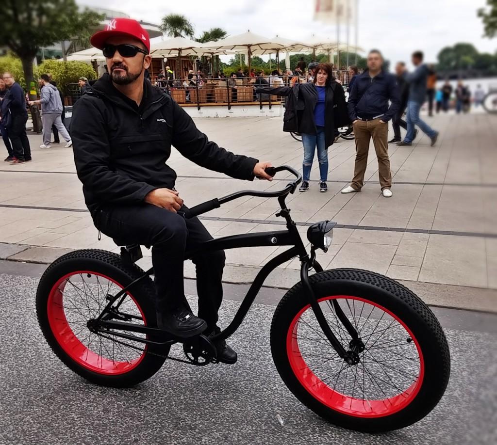 cooles Rad, cooler Fahrer