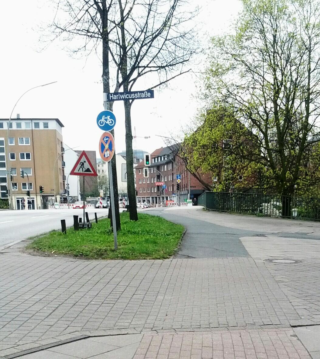 Vor der Brücke über die Eilenau gab's vorher einen Belagmix.