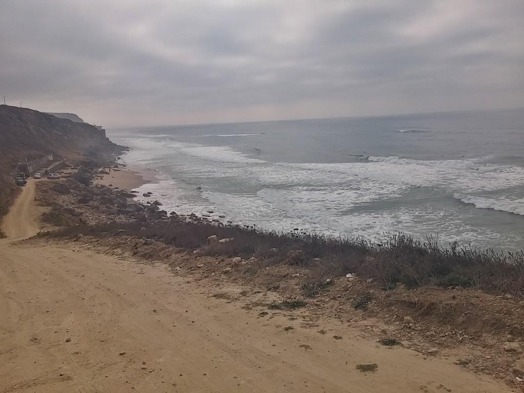 Weg hinab zum Praia Pequena