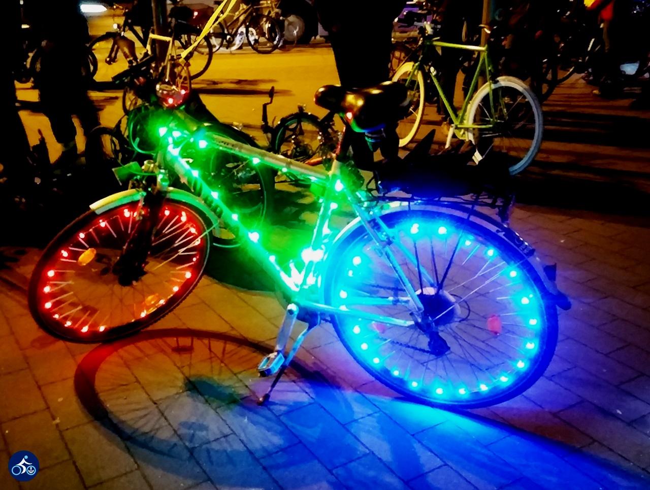 Ordentlich: eine Farbe je Rad und Rahmen