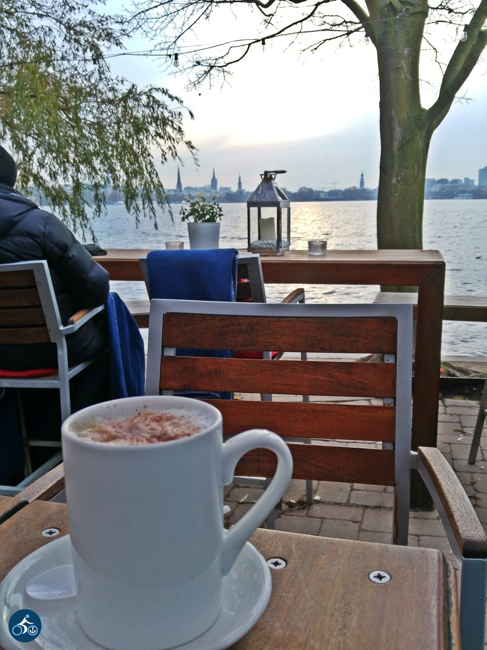 Warmer Kaffee, warme Decken & mein liebster Blick auf Hamburg